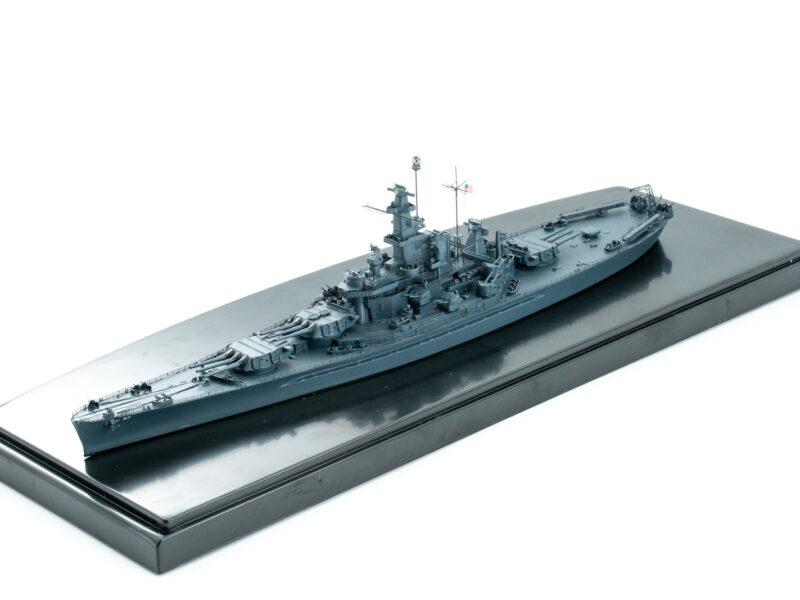 トランぺッター/ピットロードの1/700 アメリカ海軍戦艦 サウスダコタのプラモデルの完成品。第三次ソロモン海戦時に改造。