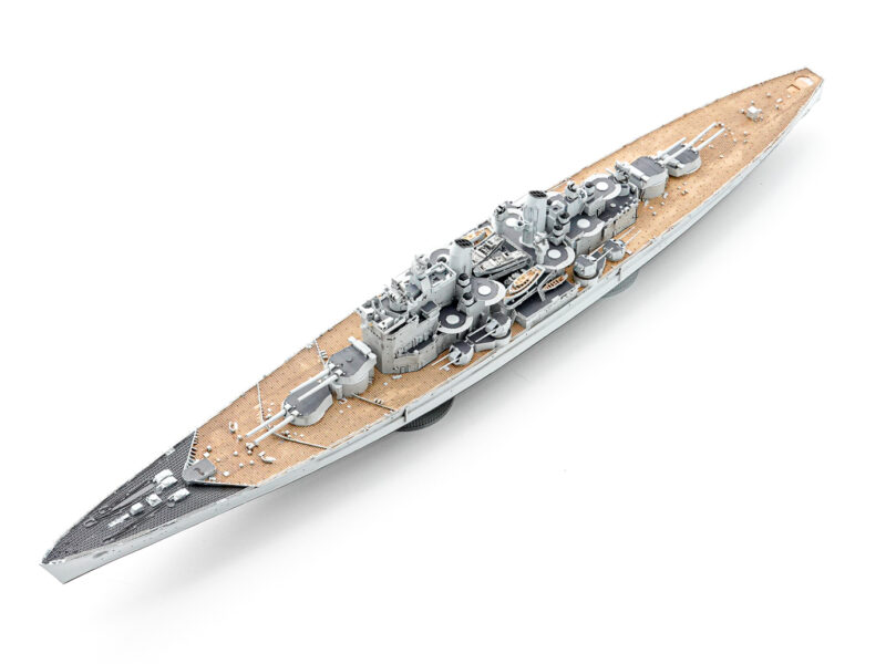 オストリッチホビー 1/700 イギリス戦艦 ヴァンガード レジンキット 製作中