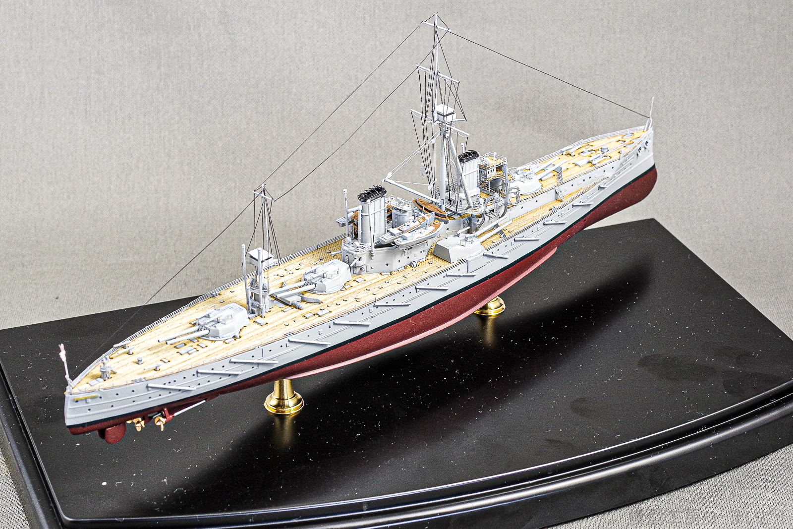 トランペッター 1/700 イギリス戦艦 ドレッドノート プラモモデル完成品