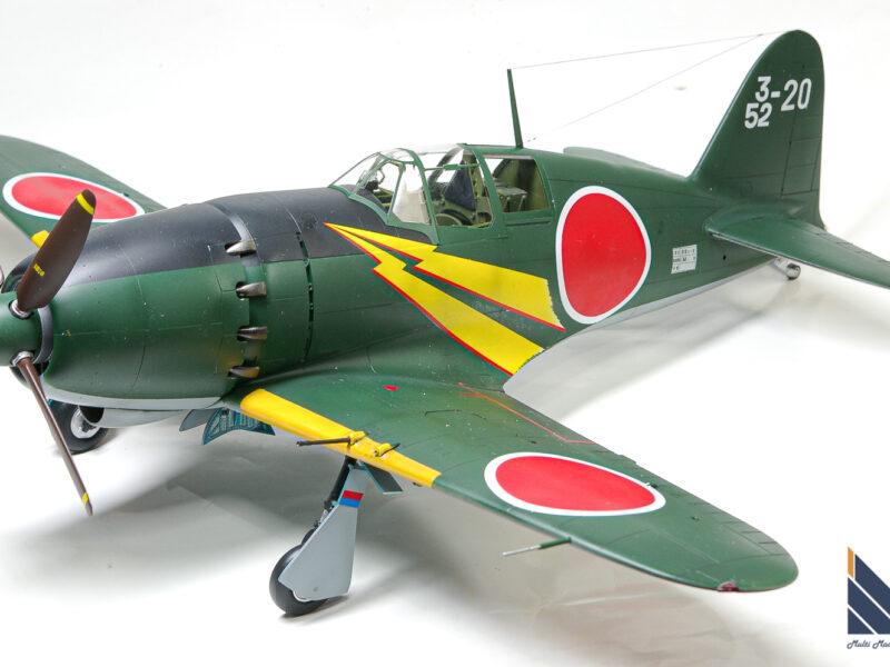 ハセガワ 1/32 日本海軍局地戦闘機 雷電二一型 プラモデル 完成品